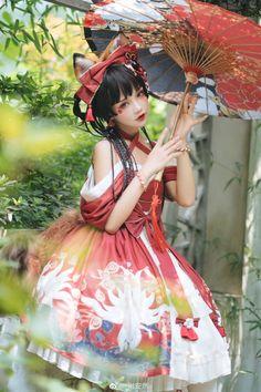 Quirky Fashion, Lolita Fashion, Asian Photography, Cute Kawaii Girl, Gothic Lolita Dress, Lolita Cosplay, Pose Reference Photo, Beautiful Fantasy Art, Japanese Street Fashion