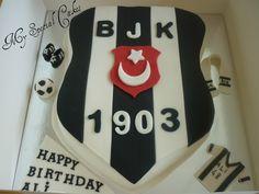 Beşiktaş Logo Cake