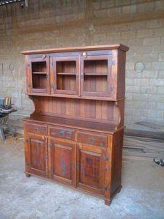 armario de cozinha em madeira rustica