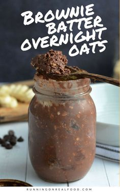 Brownie Batter Overnight Protein Oats Brownies for breakfast, anyone? These brownie batter overnight oats are super easy to make and taste like brownie batter. High in protein, vegan and gluten-free. Healthy Breakfast Recipes, Healthy Snacks, Healthy Recipes, High Protein Recipes, Eat Healthy, High Protein Vegetarian Breakfast, Yummy Breakfast Ideas, Healthy Oatmeal Breakfast, Protein Powder Recipes