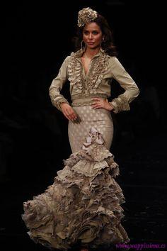 Colección 'Carmen' por  Margarita Freire en  Simof 2012                                                                                                                                                                                 Más
