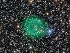 Bolha verde capturada pelo telescópio espacial do Observatório Europeu do Sul (ESO)