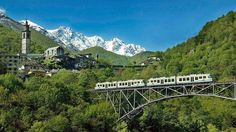 The Centovalli Railway connects the Gotthard and Simplon lines as well as Ticino and Valais via the shortest possible route. The railway is not just a means of transportation. It is also an excursion train, that takes visitors through the magnificent landscapes of Centovalli and Valle Vigezzo.
