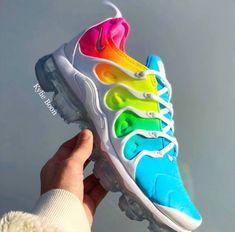 60de9a06ba63a9 Bleached Aqua White Nike Vapourmax plus custom