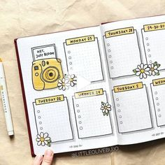 bullet journal \ bullet journal + bullet journal ideas + bullet journal layout + bullet journal inspiration + bullet journal doodles + bullet journal weekly spread + bullet journal how to start a + bullet journal ideas layout Bullet Journal School, Bullet Journal Inspo, Bullet Journal Lettering Ideas, Bullet Journal Banner, Bullet Journal 2019, Bullet Journal Notebook, Bullet Journal Aesthetic, Bullet Journal Themes, Bullet Journal Spread