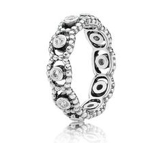 And I want this to stack with my not yet existent princess tiara pandora ring. Christmas/bday idea!