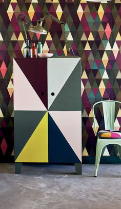 DIY: geometric cabinet