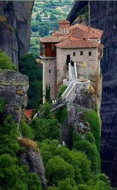 Meteora, Griechenland Best Picture For luxury Beach Vacation For Your Taste You are looking for something, and it is going to tell you exactly what you are looking for, and you didn't find that pictur Greece Destinations, Travel Destinations, Santorini, Mykonos, Meteora Klöster, Cyclades Islands, Greece Islands, Monuments, Zakynthos
