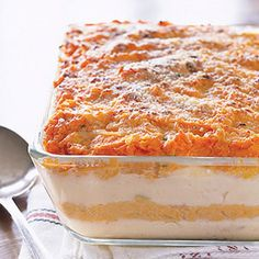 Watch our Mashed Potato Layer Bake video recipe. This Mashed Potato Layer Bake is as easy to make as it is impressive to look at and taste. Kraft Foods, Kraft Recipes, Thanksgiving Recipes, Holiday Recipes, Holiday Ideas, Thanksgiving Leftovers, Holiday Foods, Kraft Food And Family, Cheesy Mashed Potatoes