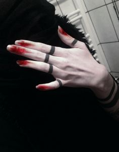 Hands - love this and would be great for Halloween #halloween #makeup #sfx