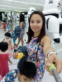 Having a quick selfie with Star wars casts :)