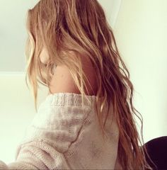Home again #sweater #autumn #fall2013 #overshoulder #girl #blond
