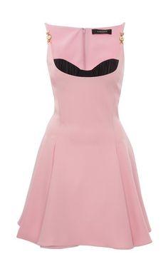 Versace Fashion, Versace Dress, Runway Fashion, High Fashion, Womens Fashion, Little Dresses, Pretty Dresses, Edgy Outfits, Fashion Outfits