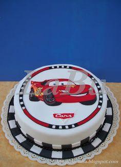 LaBu: CARS - Torta decorada con glasé fluido