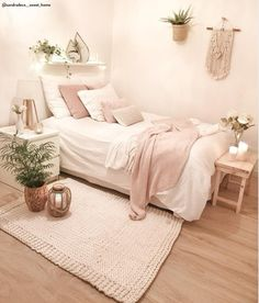 50 Best Bedroom Decor And Design Ideas With Farmhouse Style Minimalist Bedroom B. 50 Best Bedroom Decor And Design Ideas With Farmhouse Style Minimalist Bedroom Bedroom Decor Design Farmhouse Ideas Style Cute Bedroom Ideas, Room Ideas Bedroom, Bedroom Designs, Wood Bedroom, Bedroom Inspo, Bedroom Inspiration, Dream Rooms, Dream Bedroom, Master Bedroom