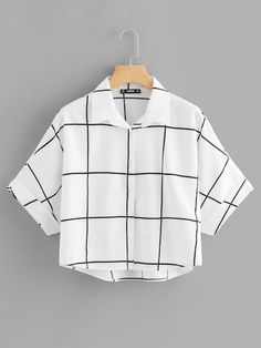 Casual Plaid Shirt Regular Fit Collar Half Sleeve Roll Up Sleeve Black and White Regular Length Rolled Sleeve Dip Hem Grid Shirt Crop Top Outfits, Cute Casual Outfits, Stylish Outfits, Girls Fashion Clothes, Teen Fashion Outfits, Kleidung Design, Jugend Mode Outfits, Summer Work Outfits, Summer Wardrobe