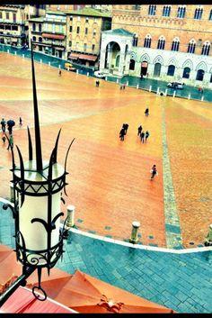 Rainy day on Piazza del Campo, Siena