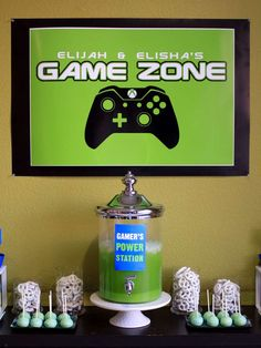 Sweet and Clever's Birthday / video games - Photo Gallery at Catch My Party Xbox Party, Game Truck Party, Minecraft Birthday Party, Birthday Games, Birthday Ideas, 13th Birthday Parties, Birthday Party Decorations, 10th Birthday, Video Game Party