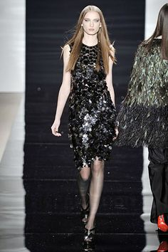 Naeem Khan Fall 2008 Ready-to-Wear Collection Slideshow on Style.com