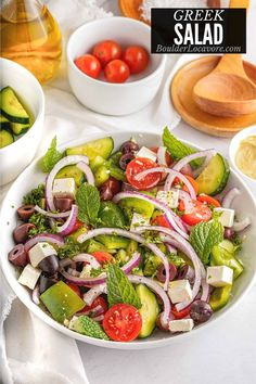 Fresh cucumbers, onion, tomatoes, feta cheese and olives are the star of this easy Greek Salad recipe. Easy to make and packed with flavor! Easy Greek Salad Recipe, Greek Salad Recipes, Best Salad Recipes, Healthy Recipes, Clean Eating For Beginners, Clean Eating Recipes, Three Bean Salad, Feta Pasta, Salad Ingredients