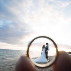 Digital Wedding Photography Tips – Fine Weddings Wedding Photography Checklist, Wedding Couple Poses Photography, Wedding Picture Poses, Romantic Wedding Photos, Indian Wedding Photography, Wedding Pictures, Elegant Wedding, Photography Ideas, Pre Wedding Poses