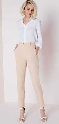 Cigarette pants are running into fashion industry not long ago and they have bee popular in the short time period with tremendous amount of appreciation. Business Dress, Business Casual Outfits, Business Attire, Office Outfits, Chic Outfits, Spring Outfits, Office Attire, Office Wear, Cigarette Trousers Outfit