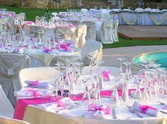 Hochzeitstischdeko im Freien
