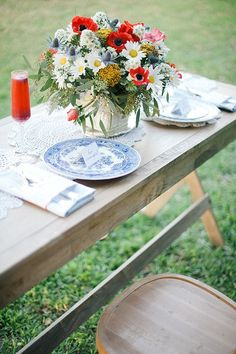 Red, White and Blue Wedding Ideas - memorialday25.jpg large