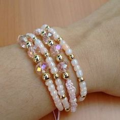 Bead Jewellery, Pearl Jewelry, Beaded Jewelry, Jewelry Bracelets, Jewellery Display, Handmade Bracelets, Handmade Jewelry, Cute Friendship Bracelets, Bracelet Making