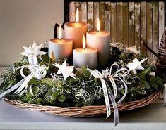 Adventi gyertyák Christmas Advent Wreath, Christmas Mood, Christmas Candles, Christmas Centerpieces, Rustic Christmas, Xmas Decorations, All Things Christmas, Christmas Crafts, Advent Candles