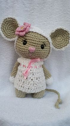 Baby Knitting Patterns Toys Stuffed Animals – Mouse Tiffi – a unique product by NellyMarleen on DaWanda … Crochet Mouse, Crochet Patterns Amigurumi, Cute Crochet, Amigurumi Doll, Crochet Crafts, Crochet Dolls, Crochet Baby, Crochet Projects, Baby Knitting Patterns