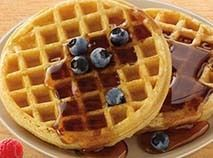 Browse our breakfast menu featuring favorites like muffins, waffles and more! Food To Go, Good Food, Chef's Choice, Healthy Meal Prep, Healthy Food, Healthy Eating, Best Weight Loss Foods, Sugar Free Syrup, Diet Plan Menu