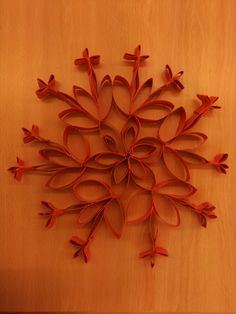 Formes de rull de paper de water. Alumnes Òmnia