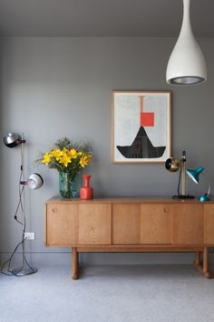 grey walls + 60s styled accesories