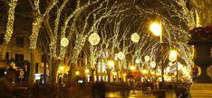 Mallorca jouluna - Mitä tehdä ja millainen sää on jouluna? Varanasi, Chandelier, Ceiling Lights, Lighting, Home Decor, Majorca, Candelabra, Decoration Home, Room Decor