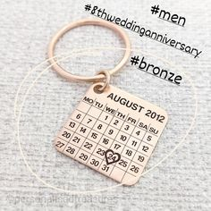 Solid bronze keyring for 8th wedding anniversary. Engraved with your own wedding date. Bronze anniversary gift for men. Bronze Anniversary Gifts, 8th Wedding Anniversary, Anniversary Gifts For Him, Happy Anniversary, Bronze Gifts, Celebration, How To Memorize Things, Calendar, Pure Products