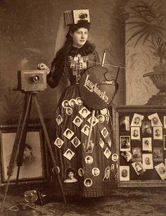 "edwardian-time-machine: ""Grand Island, Nebraska, sometime between 1886 and Advertiser for a photographer. Antique Photos, Vintage Photographs, Vintage Images, Old Photos, Vintage Trends, Vintage Ideas, Girls With Cameras, Old Cameras, Vintage Cameras"