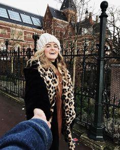 "Eva (@evaschaapp) no Instagram: ""Days like these 💕💕 .. . . ..#amsterdam #rijksmuseum #museumplein #patta #ootd #zara #smile…"""