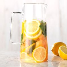 The 23 Best Flavored Water Recipes of All Time Cantaloupe, Mint and Lemon Infused Water Best Flavored Water, Cucumber Infused Water, Flavored Water Recipes, Drink Recipes, Cooking Recipes, Cantaloupe Water, Fruit Water, Honeydew, Healthy Eating Tips