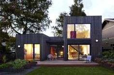This amazing Portland home meets the German Passivhaus' strict energy efficiency standards...and it only cost $40,000 to construct.