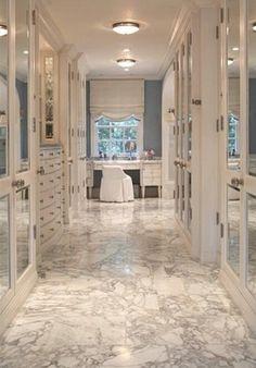 Walkin closet and Bathroom layout/hall