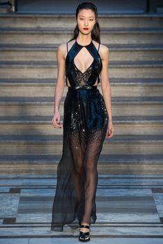 Julien Macdonald Fall 2015 Ready-to-Wear Fashion Show Couture Fashion, Runway Fashion, Fashion Show, Fashion Outfits, Fashion Design, London Fashion, Fall Fashion, Julien Macdonald, Catwalks