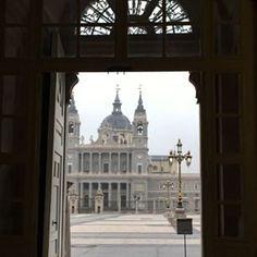 La Almudena desde el Palacio Real de Madrid. (Photo by dgpastor)