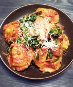 Creamy Tomato Spinach Ravioli Recipe