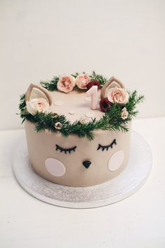 Gorgeous Cakes, Pretty Cakes, Cute Cakes, Yummy Cakes, Amazing Cakes, Nightmare Before Christmas Cake, Cake Packaging, Holiday Cupcakes, Animal Cakes