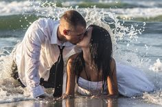 Trash the dress picture idea - wedding picture idea - beach wedding