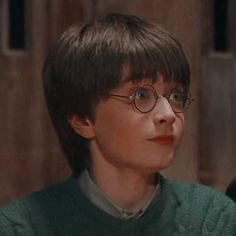 — — Ron and Harry matching icons with psd like or. Harry James Potter, Harry Potter Hermione, Ron And Harry, Arte Do Harry Potter, Daniel Radcliffe Harry Potter, Harry Potter Icons, Harry Potter Pictures, Harry Potter Characters, Harry Potter World