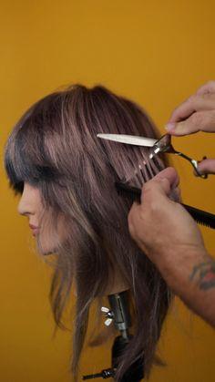 Hair Cutting Videos, Hair Cutting Techniques, Hair Color Techniques, Hair Videos, Medium Hair Styles, Curly Hair Styles, Hair Color Streaks, Hair Affair, Aesthetic Hair