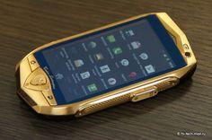 Lamborghini lançará smartphones de ouro e tablet com tela de safira    TL700, smartphone principal da empresa (Foto: Reprodução/ Hi-TechMail)