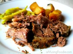 Slow Cooker Beef and Potatoes #recipes #slowcooker